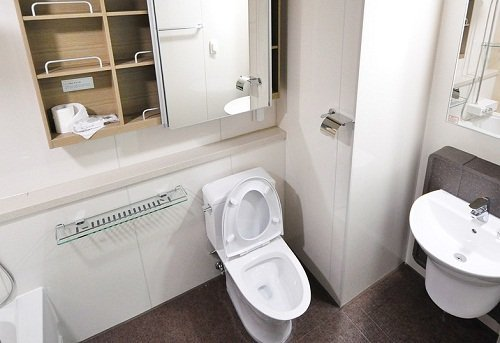 Toilet with supply valve